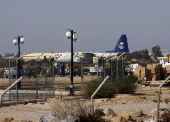 الجيش المصري يهجر آلاف المواطنين من محيط مطار العريش