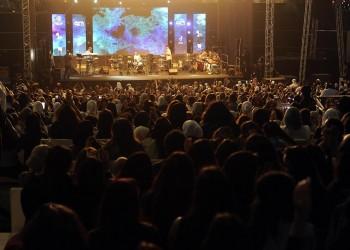 جدل بالكويت بعد تنظيم حفل جامعي راقص مختلط