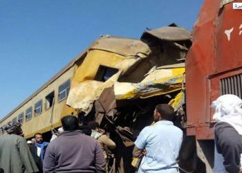 بالصور.. مصرع 20 وإصابة 40 آخرين في تصادم قطارين بمصر