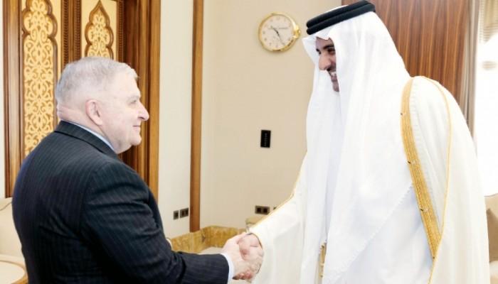 أمير قطر يناقش أزمة الحصار مع المبعوث الأمريكي الخاص للخليج
