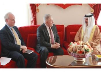 ملك البحرين لمبعوثي أمريكا: حل الأزمة الخليجية في الرياض