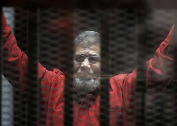 مصر تتجاهل طلبا بريطانيا لزيارة «مرسي» في محبسه