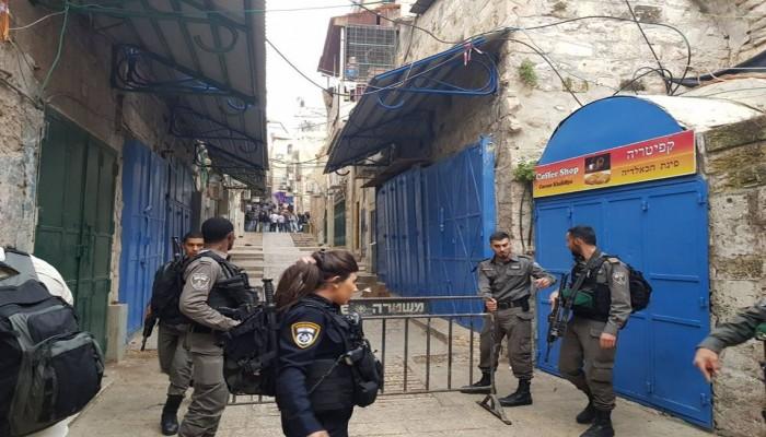 طعن حارس إسرائيلي بالقدس.. وتضارب حول هوية المنفذ