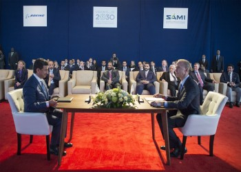 «بن سلمان» يوقع مع «بوينغ» مشروع الصناعات العسكرية (صور)
