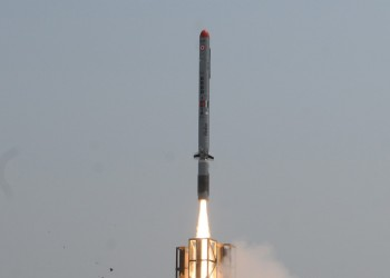 روسيا تجري أبحاثا على صواريخ أمريكية ذكية