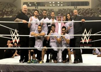 هيئة الرياضة السعودية تعتذر عن «مشاهد العري» بعروض المصارعة