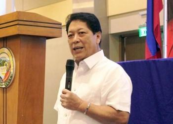وزير العمل الفلبيني يبدأ زيارته للكويت لبحث أزمة العمالة