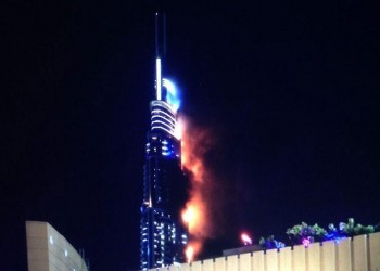 السيطرة على حريق في برج بدبي