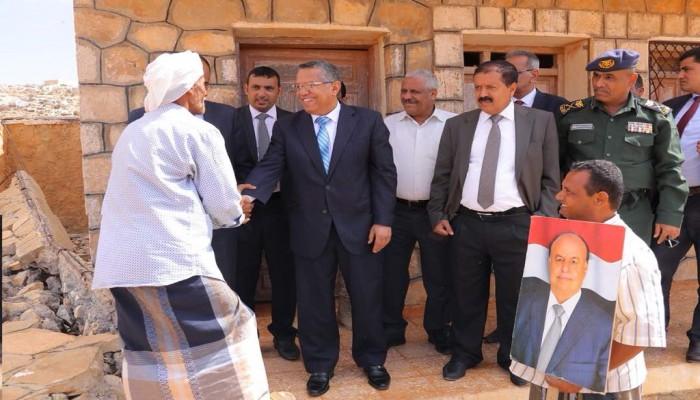 «بن دغر» يعلن انتهاء أزمة «سقطرى» مع الإمارات وعودتها لليمنيين