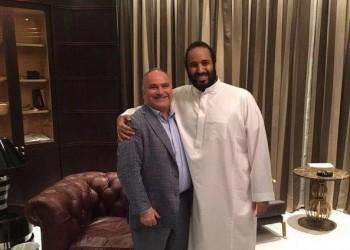 صورة «حميمية» بين «بن سلمان» و«جورج نادر» تثير جدلا