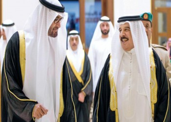صحيفة: مخطط إماراتي للإطاحة برئيس وزراء البحرين