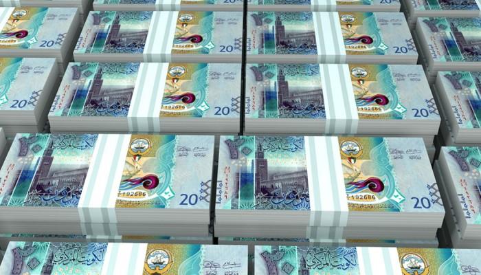 الكويت: لا خصومات من رواتب الموظفين في الأعياد