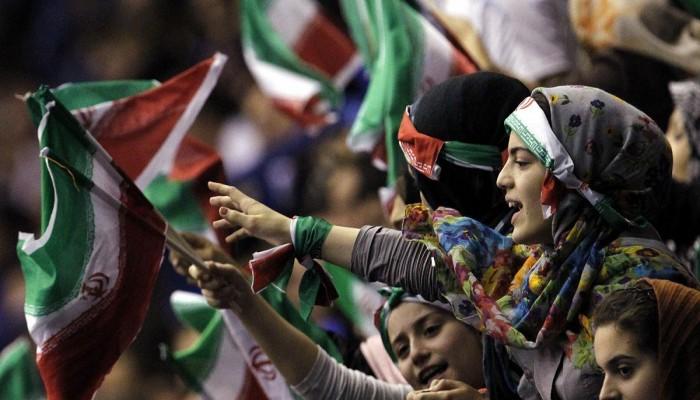 لأول مرة.. طهران تسمح للإيرانيات بمشاهدة مباريات كرة القدم