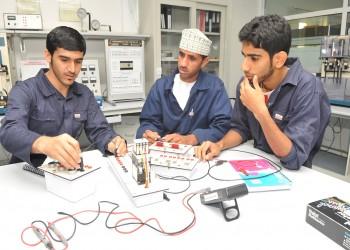 إيران ترحب برغبة عمان التعاون في مجال «تعليم المهارات»