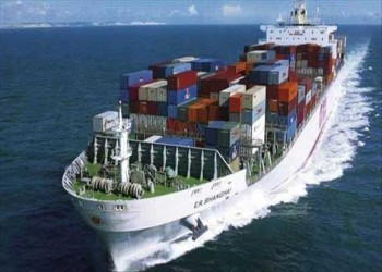 سفينة الشحن التركية تصل لميناء الصليف اليمني بعد إصلاحها