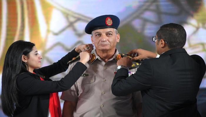«السيسي» يمنح وزير الدفاع المصري رتبة فريق أول
