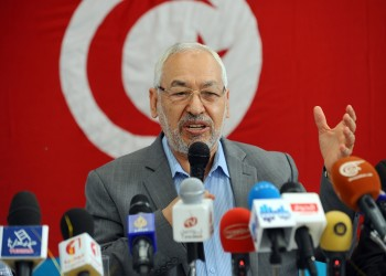 """""""الغنوشي"""": هناك متآمرون يحاولون إجهاض الثورة التونسية"""