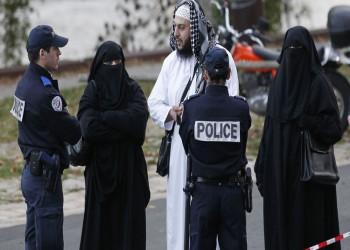سويسرا ترفض تجنيس زوجين مسلمين بسبب رفضهما مصافحة الغرباء