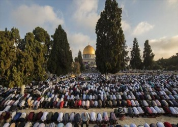 100 ألف فلسطيني يؤدون صلاة العيد في الأقصى