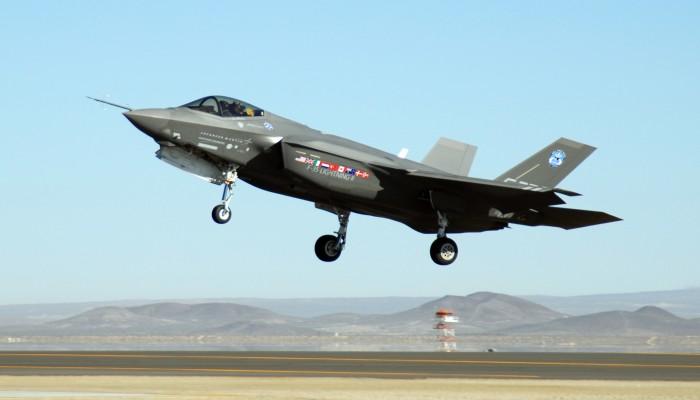 """وفد أمريكي بأنقرة: طائرات """"إف 35"""" أو صواريخ """"إس 400"""""""