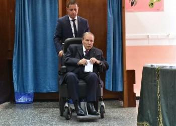 مسؤول فرنسي سابق: بوتفليقة يعيش اصطناعيا.. وتوقعات برد جزائري