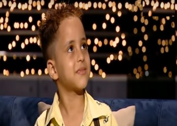 الطفل الباكي بمصر: مش بحب فصلي بالمدرسة (فيديو)