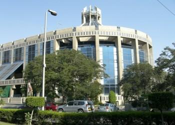 البترول المصرية تطرح 24% من أسهم إنبي بالبورصة