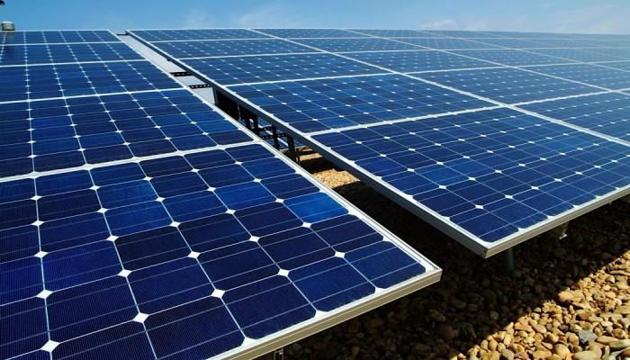 مصر تدشن أكبر محطة طاقة شمسية بالعالم العام المقبل