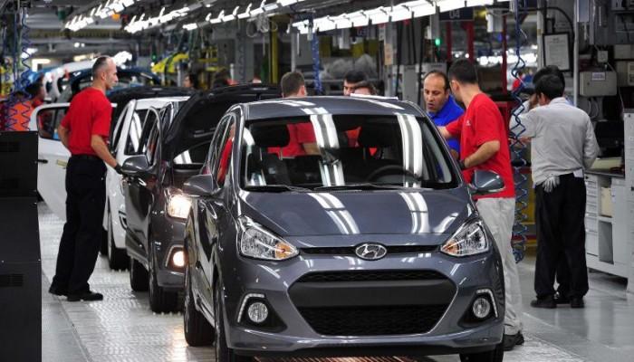 مصر تخفض جمارك السيارات الأوروبية إلى الصفر العام المقبل