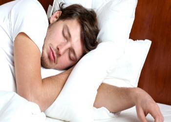 النوم 6 ساعات أو أقل يهدد بالجفاف ومشاكل صحية