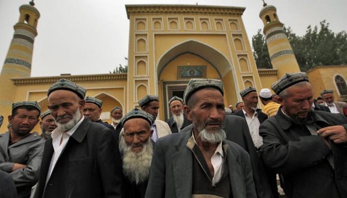 مجلة إيطالية تنشر فيديو لمعسكرات اعتقال مسلمي الإيغور بالصين