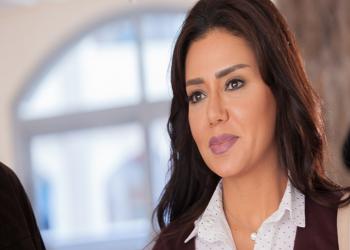 رانيا يوسف تثير أزمة بسبب إطلالتها بمهرجان القاهرة السينمائي