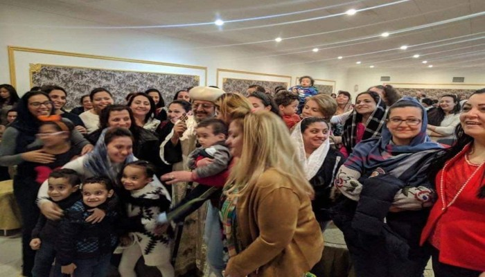 قس مصري يعلن إقامة أول قداس للمسيحيين بالسعودية