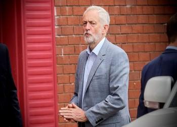 كوربين يدعو لتصويت بالبرلمان البريطاني لسحب الثقة من ماي