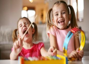 تغريم أسرة بريطانية 135 ألف دولار بسبب أصوات الأطفال