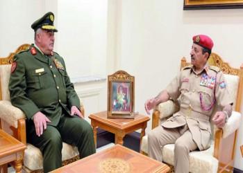 رئيسا الأركان يبحثان التعاون العسكري بين عمان والأردن