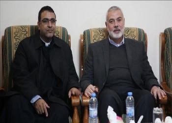 مهنئا بأعياد الميلاد.. هنية يزور كنيسة في غزة