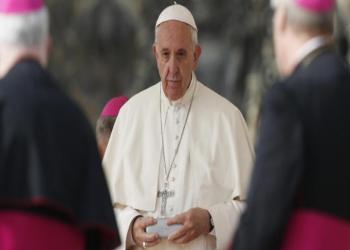 بشكل مفاجئ.. استقالة المتحدث باسم الفاتيكان ونائبه