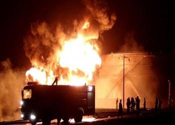 حريق ضخم بمصافي عدن إثر انفجار مجهول المصدر