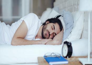 ساعة نوم إضافية قد تمدك بمزيد من الصحة والنشاط