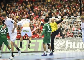 السعودية تتلقى الهزيمة الثالثة أمام الدنمارك بمونديال اليد