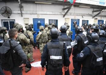 توتر يسود سجون إسرائيل عقب الاعتداء على معتقلين فلسطينيين