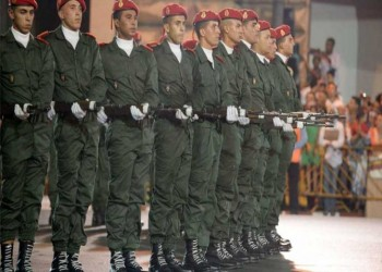 المغرب يقر قانون الخدمة العسكرية الإلزامية