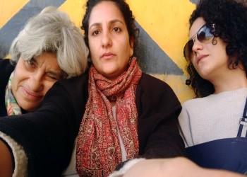 حقوقية مصرية تعلق اعتصامها أمام طرة بعد وعد بزيارة ابنها