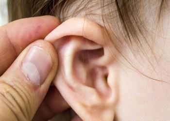 آلام الأذن.. إشارة تحذيرية للإصابة بالكثير من الأمراض