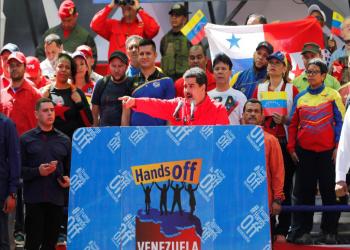 مادورو يعلن قطع علاقات فنزويلا الدبلوماسية مع كولومبيا