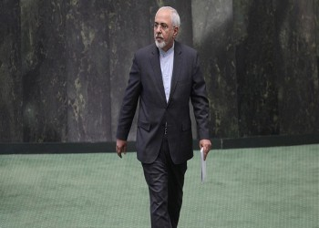 أكثرية برلمانية تطالب روحاني بعدم قبول استقالة ظريف
