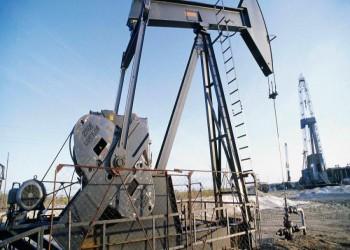 أسعار النفط تقفز 0.6% بفعل تخفيضات أوبك