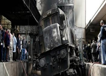 سائق قطار مصري يتعاطى المخدرات داخل الكابينة (فيديو)