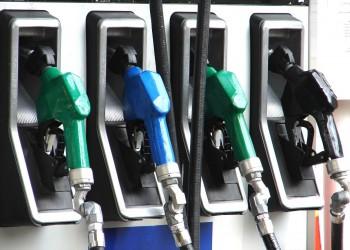 قطر والإمارات ترفعان أسعار الوقود وعُمان تثبتها للشهر الثالث